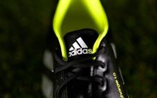 狂战士足球鞋图片