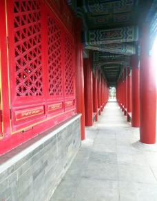 红色古典走廊图片