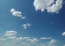云彩下的戈壁图片