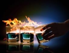 火焰鸡尾酒图片