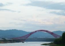 气势磅礴大铁桥图片