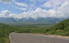 草原公路图片