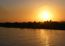 尼罗河日落图片