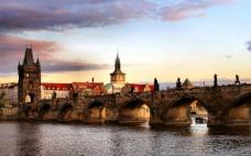 捷克傍晚城堡风光高清背景素材免费下载