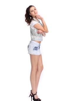 牛仔褲女模特圖片