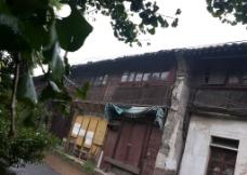 古街雨图片