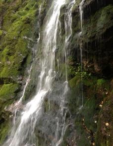 神农架瀑布图片