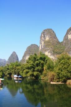 美丽漓江江边风景图片