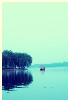 一叶孤舟图片